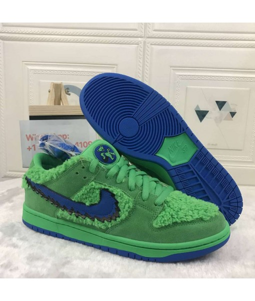 "Quality Nike SB Dunk Low ""Green Bear"" On Sale"